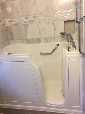 Accessible Bathtub in Mid Florida by Independent Home Products, LLC